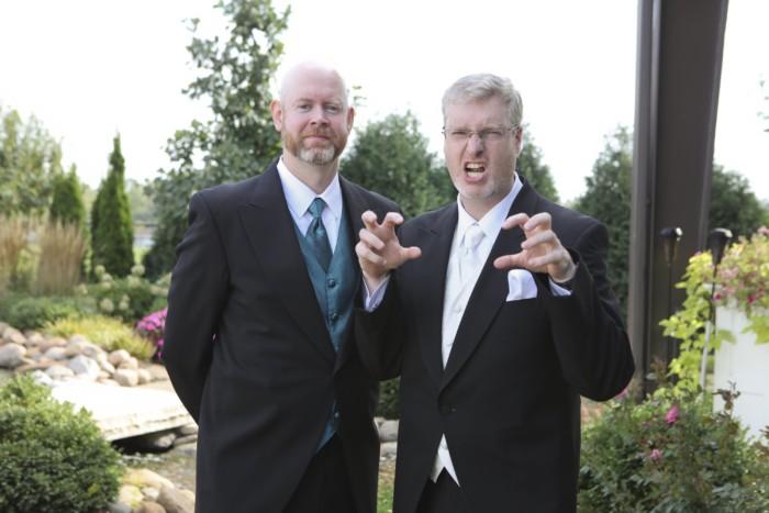hilarious professional wedding photos  you're a tiger.