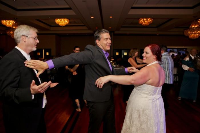 hilarious professional wedding photos: Candid dancing photos
